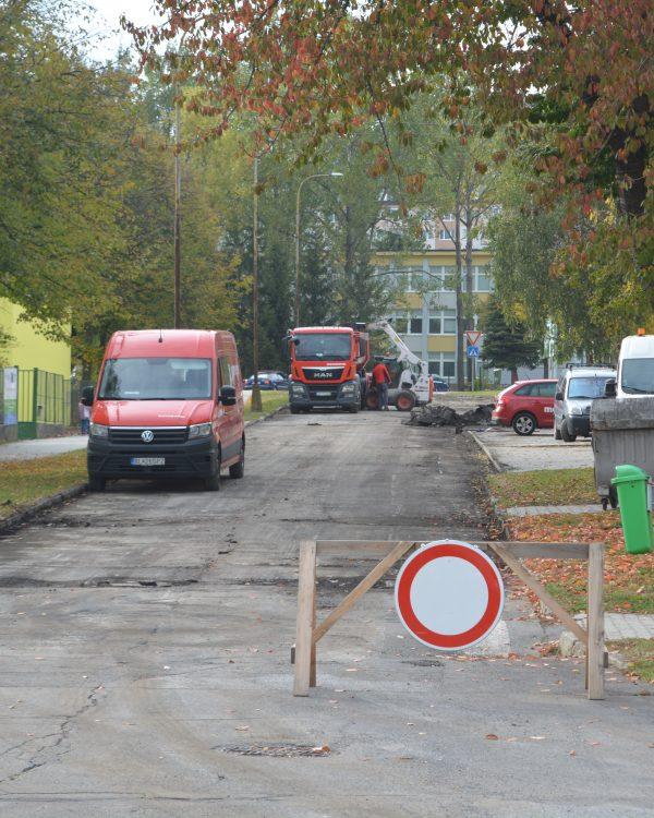Ulice v regióne potrebujú asfalt.