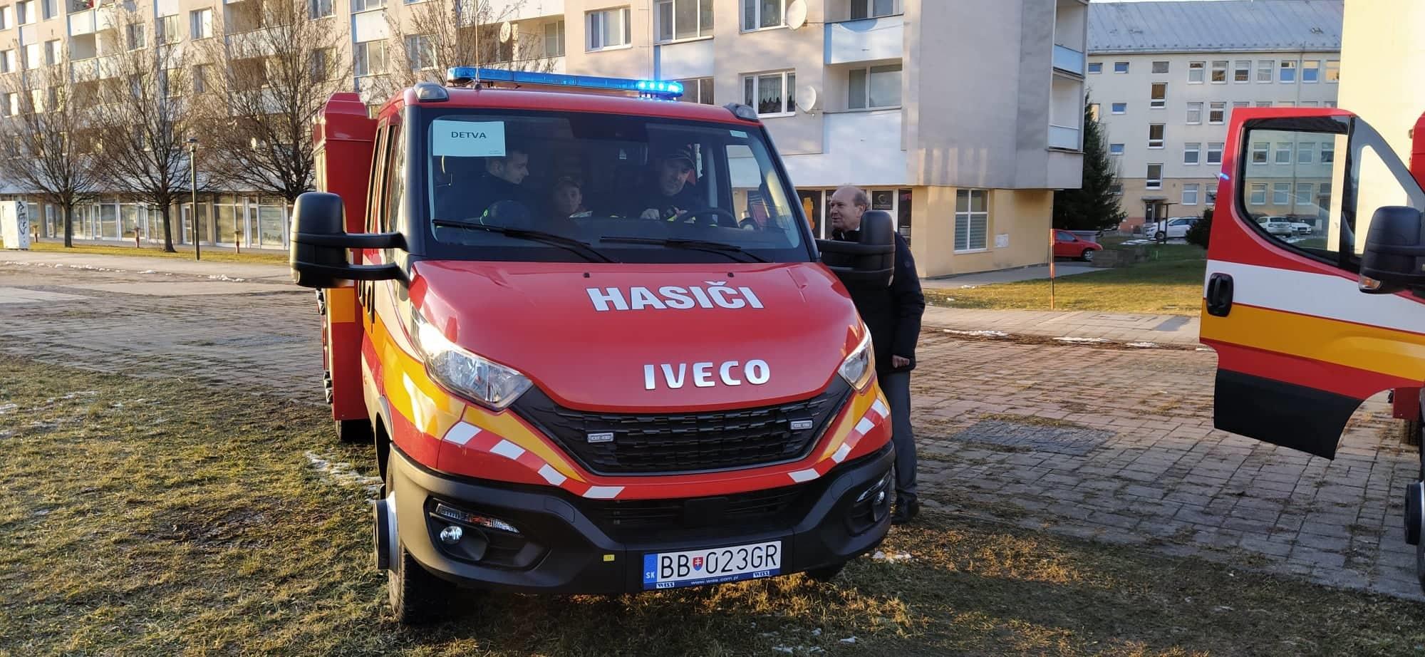 Detvianski dobrovoľní hasiči dostali nové auto